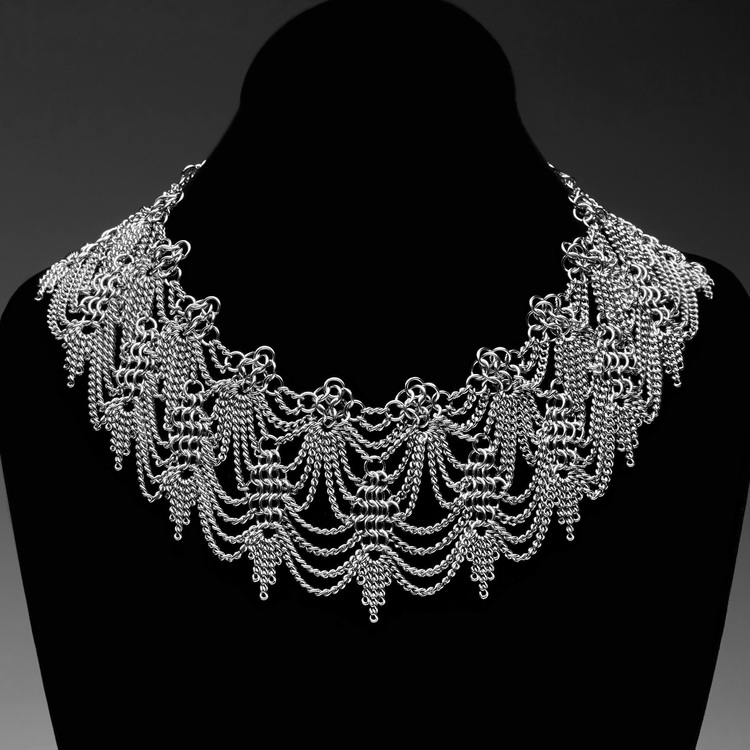 Slinky Lace Collar