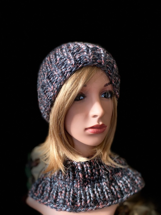 Unisex two piece, beanie and matching neck warmer